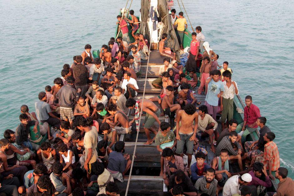 Rohingya fleeing Myanmar by boat