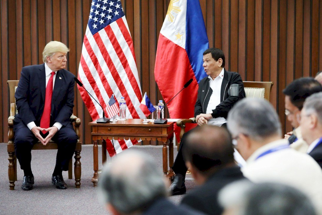 President Rodrigo Roa Duterte and US President Donald Trump discuss matters during a bilateral meeting at the Philippine International Convention Center in Pasay City on November 13, 2017. ROBINSON NINAL JR./PRESIDENTIAL PHOTO